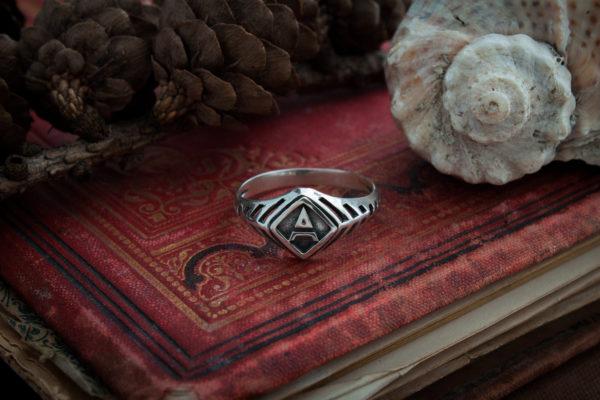 Кольцо Велеса