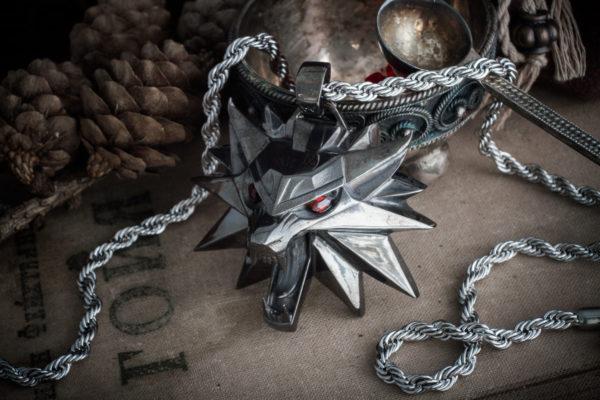 Медальон Ведьмака. Кулон Волк.